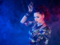 Luna Nikita. Makeup & hår: Yasmin Navarro