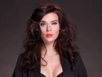 Jannie Bay Holm. Makeup og hår: Niels Laigaard